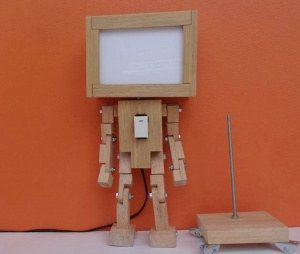 Light Box Wood robot
